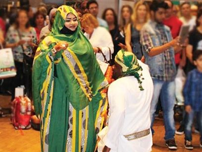 Traditional Omani dance and costumes